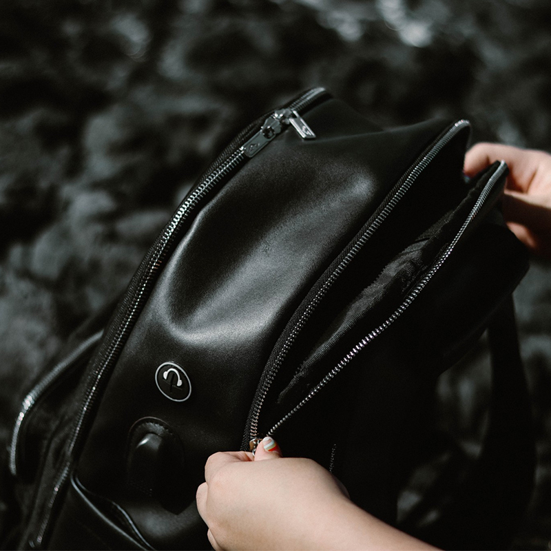 กระเป๋าเป้รุ่น Mestizo Bag สีดำ